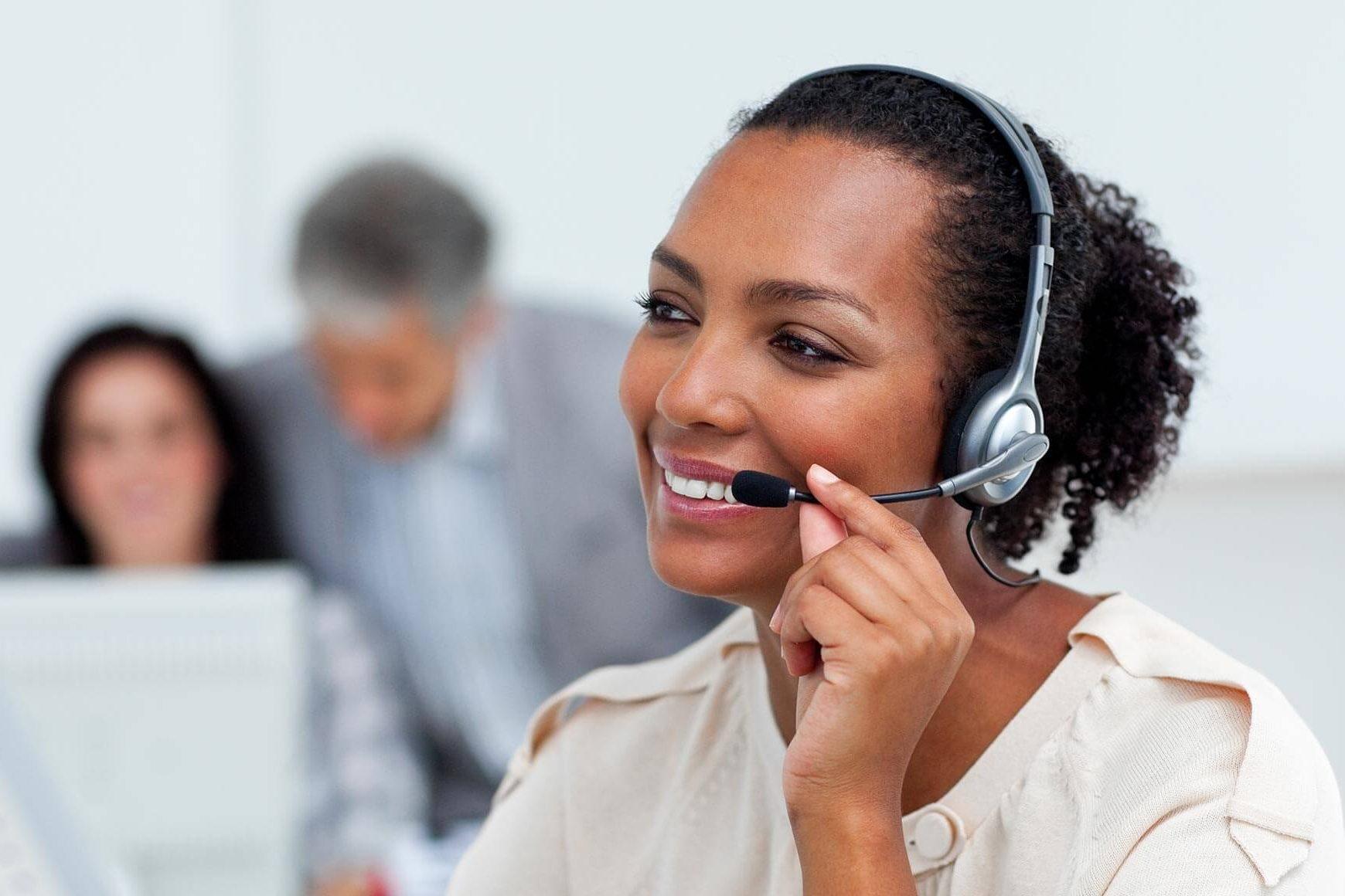 hero-image-14-techniques-to-provide-amazing-call-center-customer-service-1740x1160
